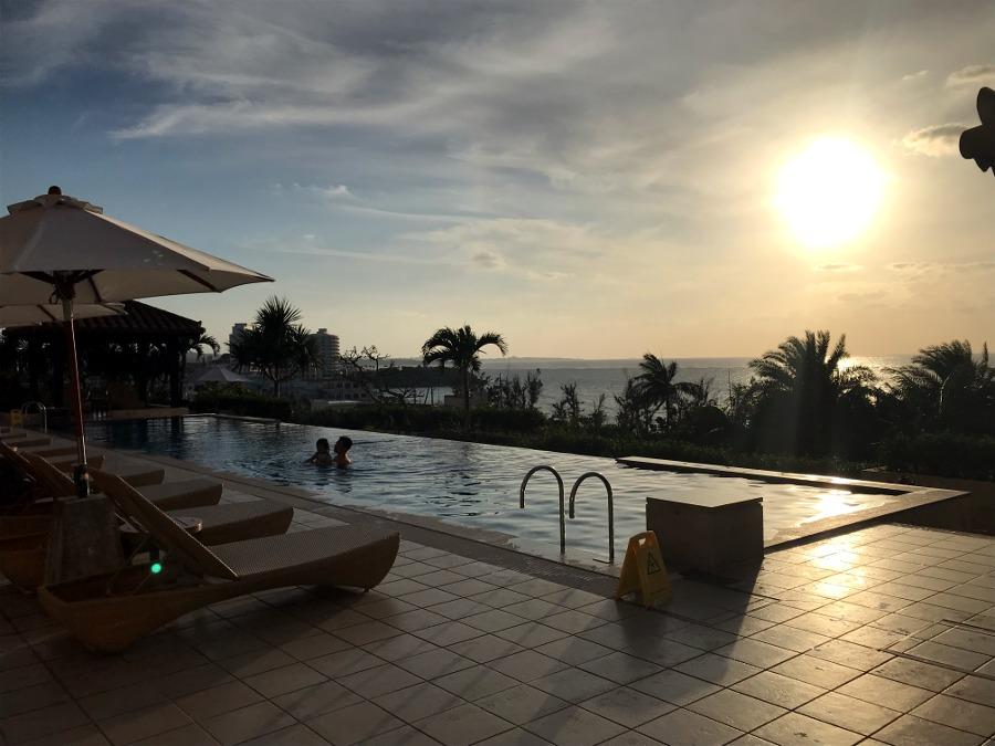 沖縄旅行記カフーリゾートフチャクコンドホテルと近くの居酒屋